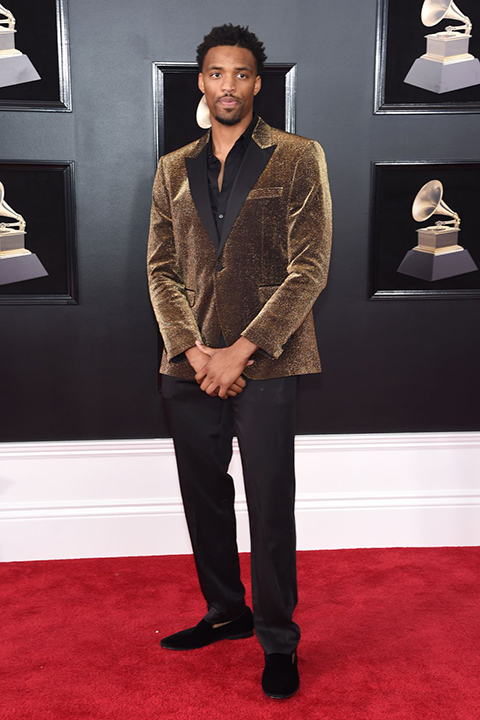 2018 grammys tyran brown black tuxedo pants with a brown velvet coat and black dress shirt with no tie and black velvet shoes