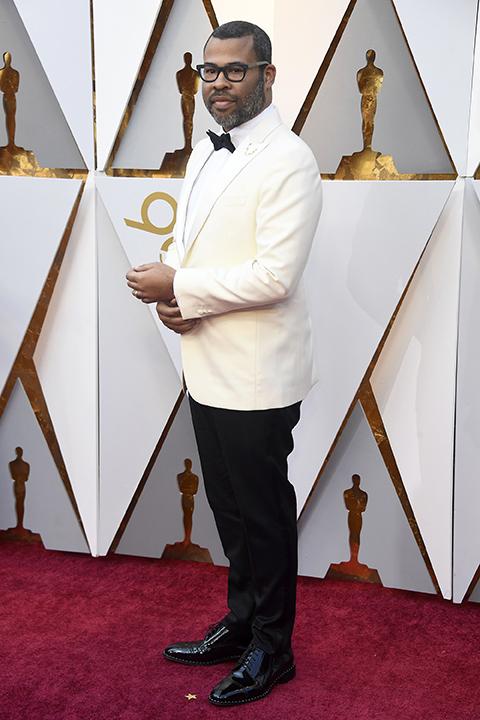 2018 academy awards jordan peele white tuxedo jacket with a white dress shirt and black bow tie with black pants